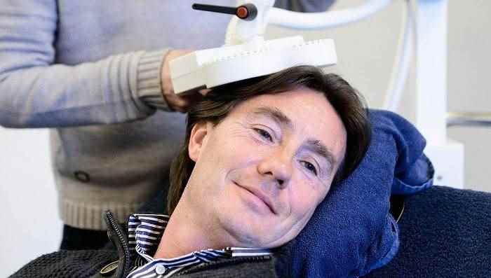 درمان افسردگی با rtms(دستگاه آر تی ام اس) با تحریک مغناطیسی مغز